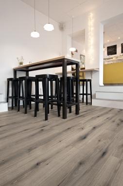 K5576 Tölgy Evoke Knot Solano Laminált padló - Aquapro