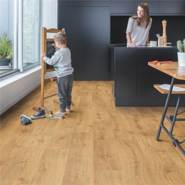 AVMP40088 QUICKSTEP AUTUMN OAK HONEY - ALPHA VINYL